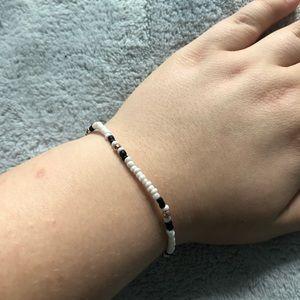 AEO Rose-gold, Black, white beaded bracelet